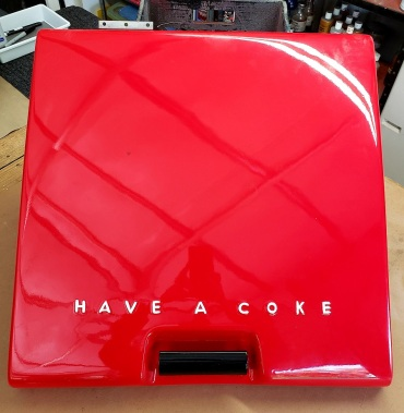 Lettered Coke Lid