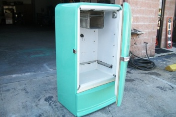 Old fashion fridge complete